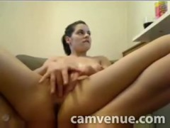 Ass and pussy shake and tease on cam