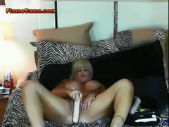 Busty Blonde Chubby Stuffs Her Pussy