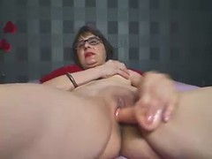 old camwhore cumming and talking dirty